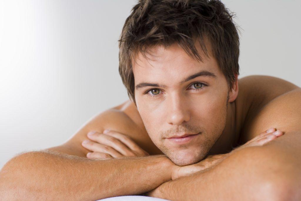 Hombres: Hiperpigmentaciones, cuperosis y lesiones vasculares