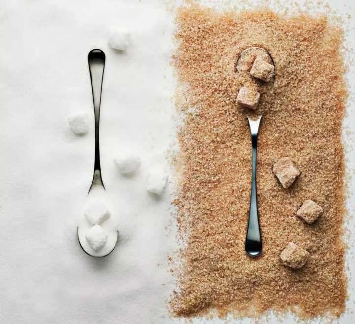 ¿ Engorda menos el azúcar moreno que el blanco?